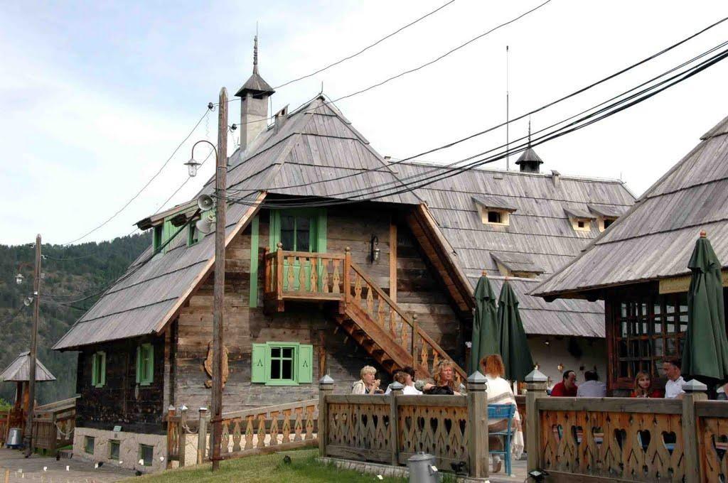 מסעדה סרבית טיפוסית השומרת על מסורת עתיקה